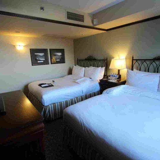 http://summer2.hotel-sites.bookoncloud.com/wp-content/uploads/sites/80/2016/02/interior_03-540x540.jpg