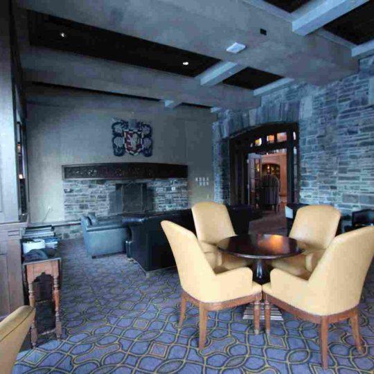 http://summer2.hotel-sites.bookoncloud.com/wp-content/uploads/sites/80/2016/02/interior_04-540x540.jpg