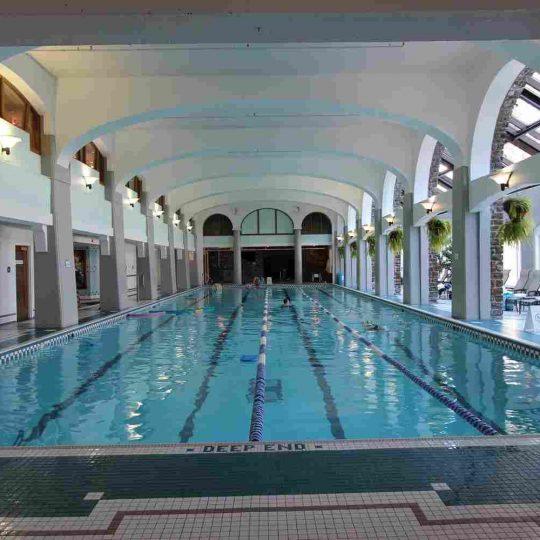 http://summer2.hotel-sites.bookoncloud.com/wp-content/uploads/sites/80/2016/02/interior_12-540x540.jpg