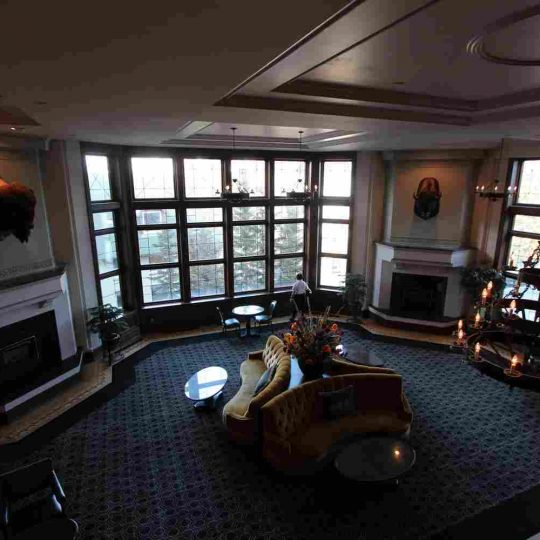 http://summer2.hotel-sites.bookoncloud.com/wp-content/uploads/sites/80/2016/02/interior_15-540x540.jpg