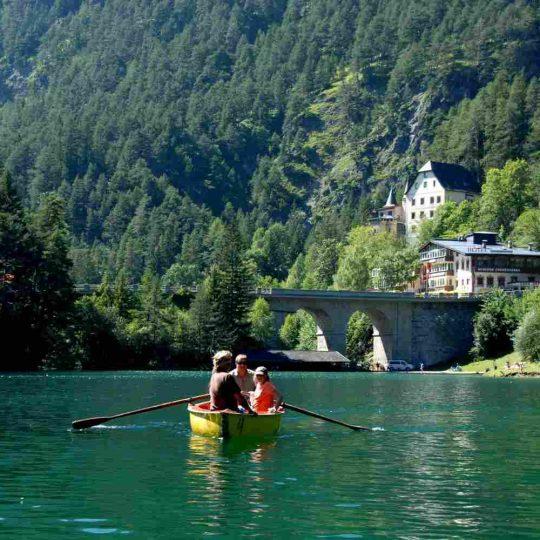 http://summer2.hotel-sites.bookoncloud.com/wp-content/uploads/sites/80/2016/02/summer-activities_08-540x540.jpg